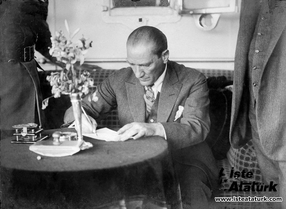 Atatürk'te Devlet Adamlığı Duyarlılığı