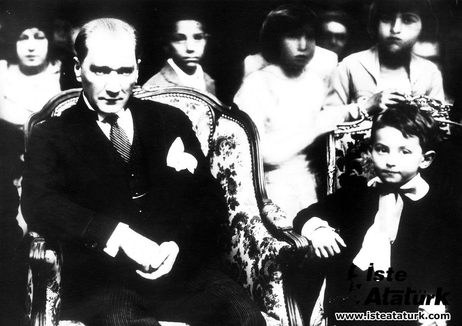 Atatürk'ün Sevgi Felsefesi