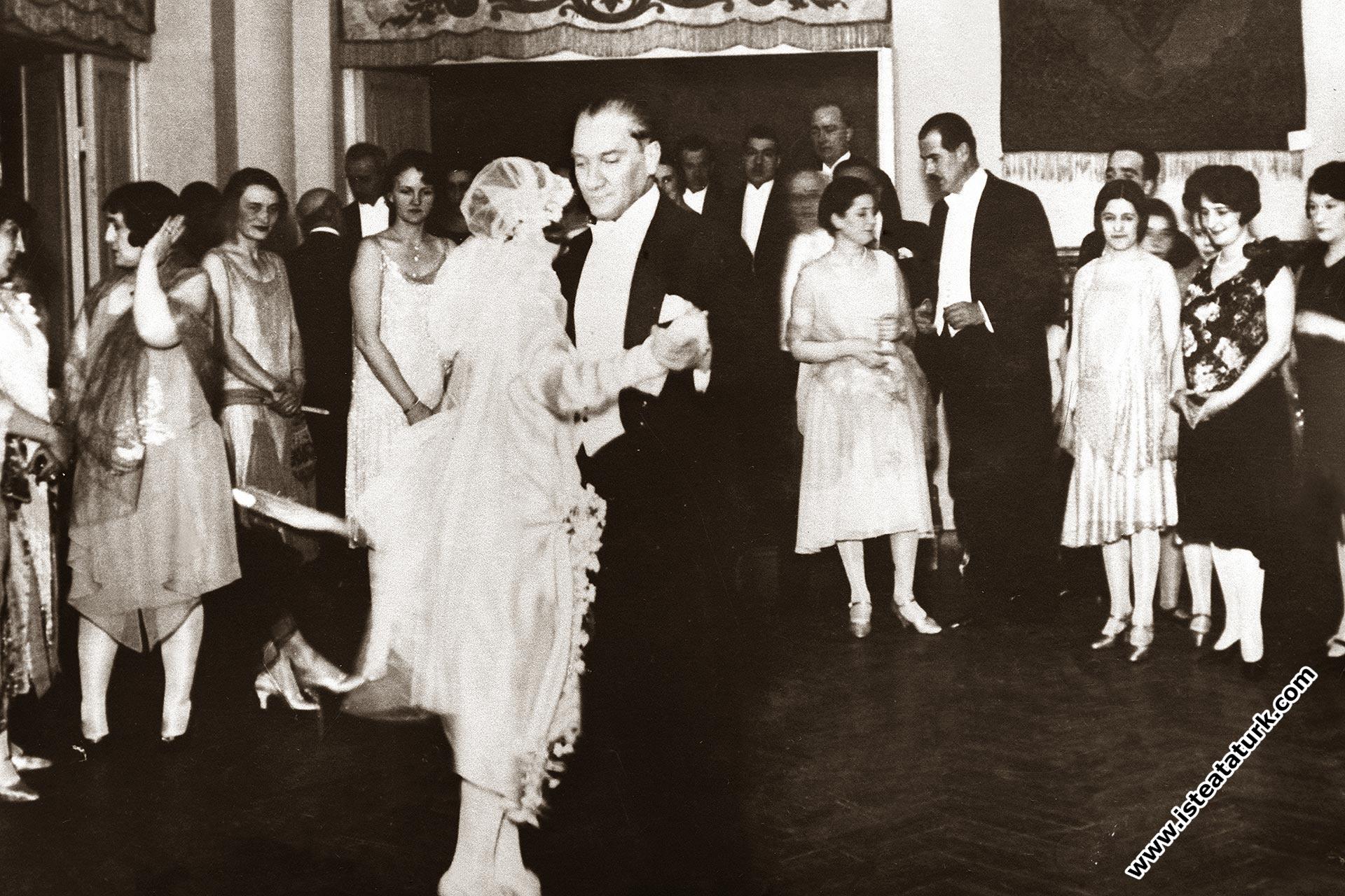 Atatürk ve Kadın Hakları