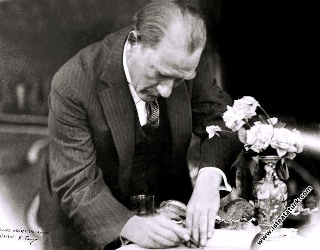 Atatürk'ün Nöbet Defteri (1931 - 1938)