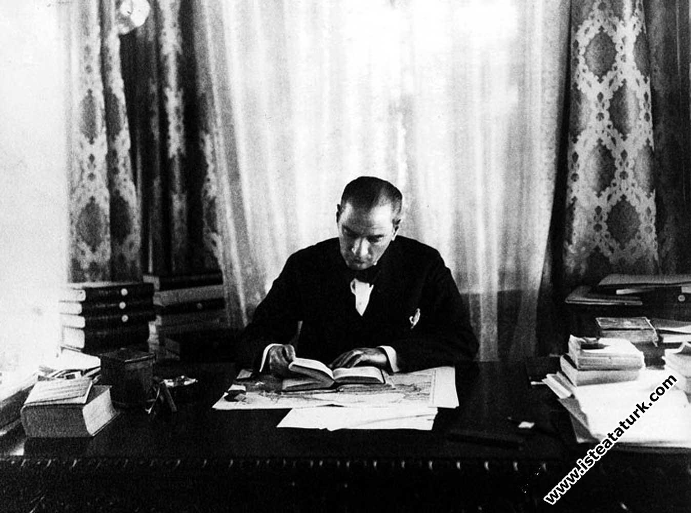 Atatürk ve Kitap