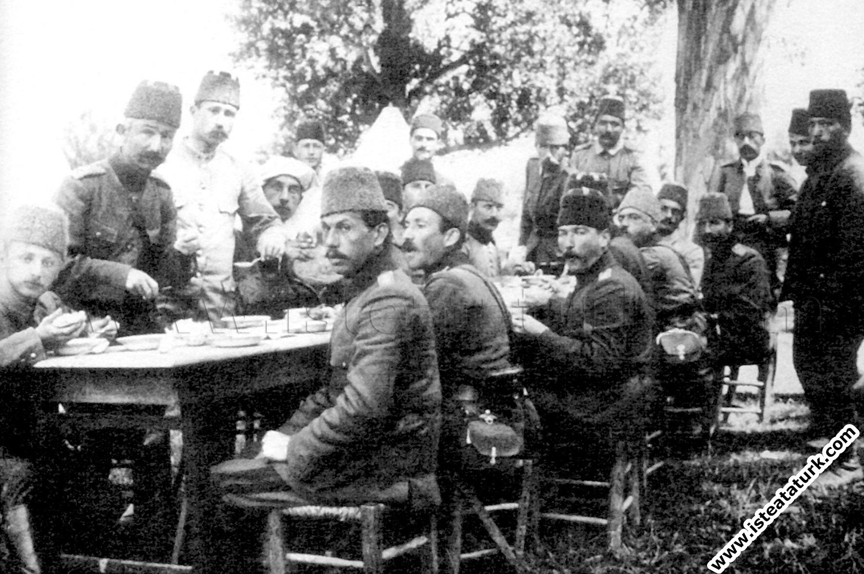 Mustafa Kemal'in Yaptığı İlk Yenilik