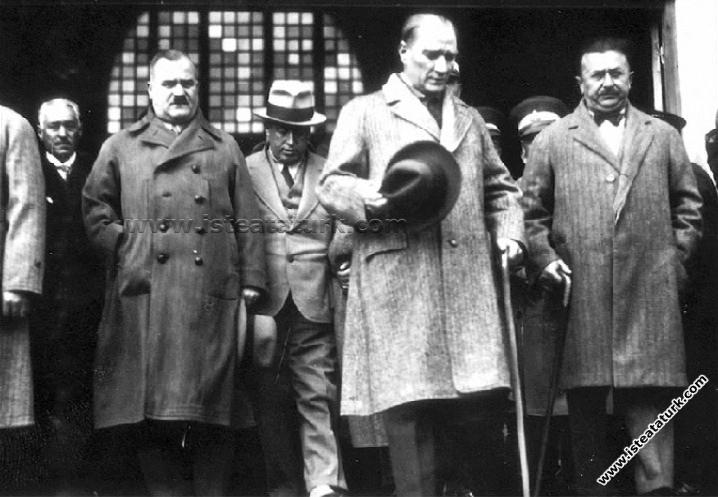 Mustafa Kemal Atatürk Yurt Gezisinde (Kasım 1930)
