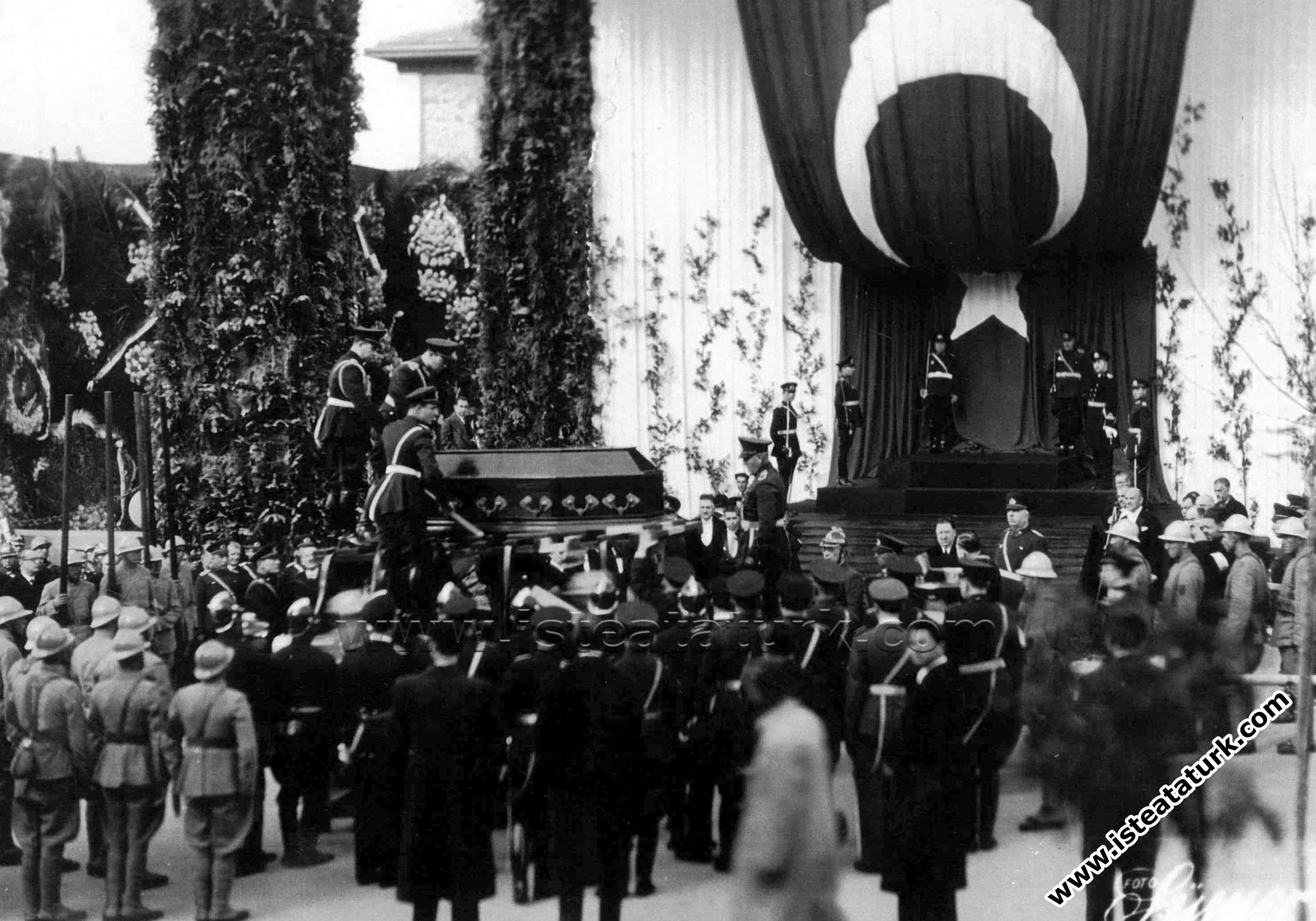 Atatürk'ün Cenaze Töreni (1938 - 1953)