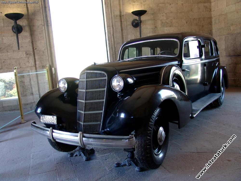 Atatürk'ün 1935-1938 yılları arasında kullandığı  tören ve makam otomobili