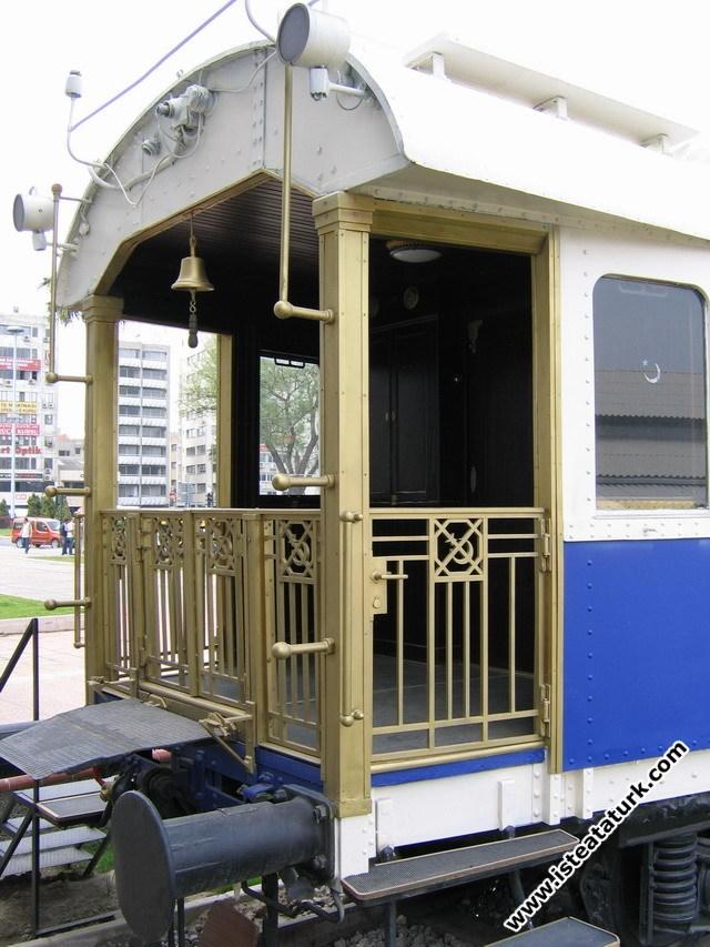 Vagonun arka balkon bölümü
