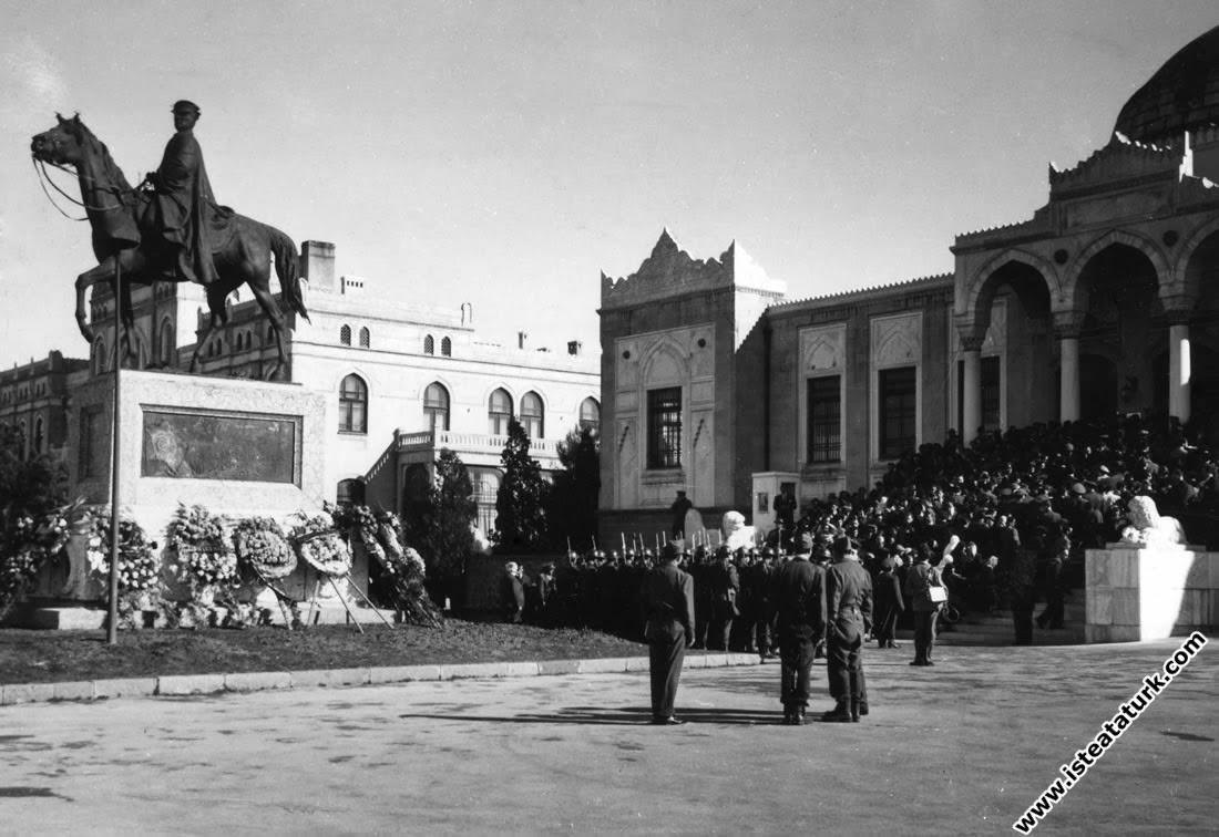 Atlı Atatürk Anıtı 1953 Yılı