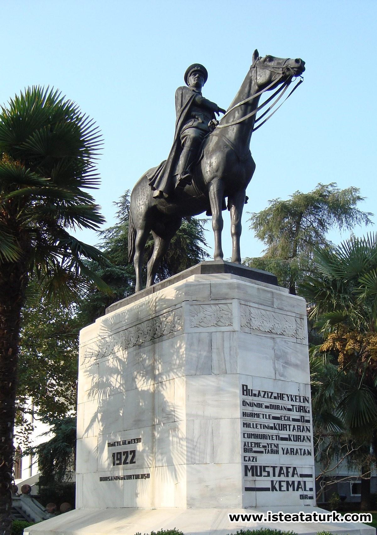 Bursa Atatürk Anıtı