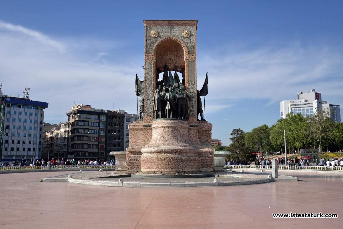 Taksim Cumhuriyet Anıtı, İstanbul