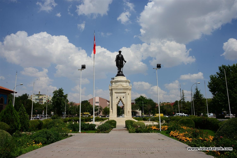 Atatürk Anıtı, Konya