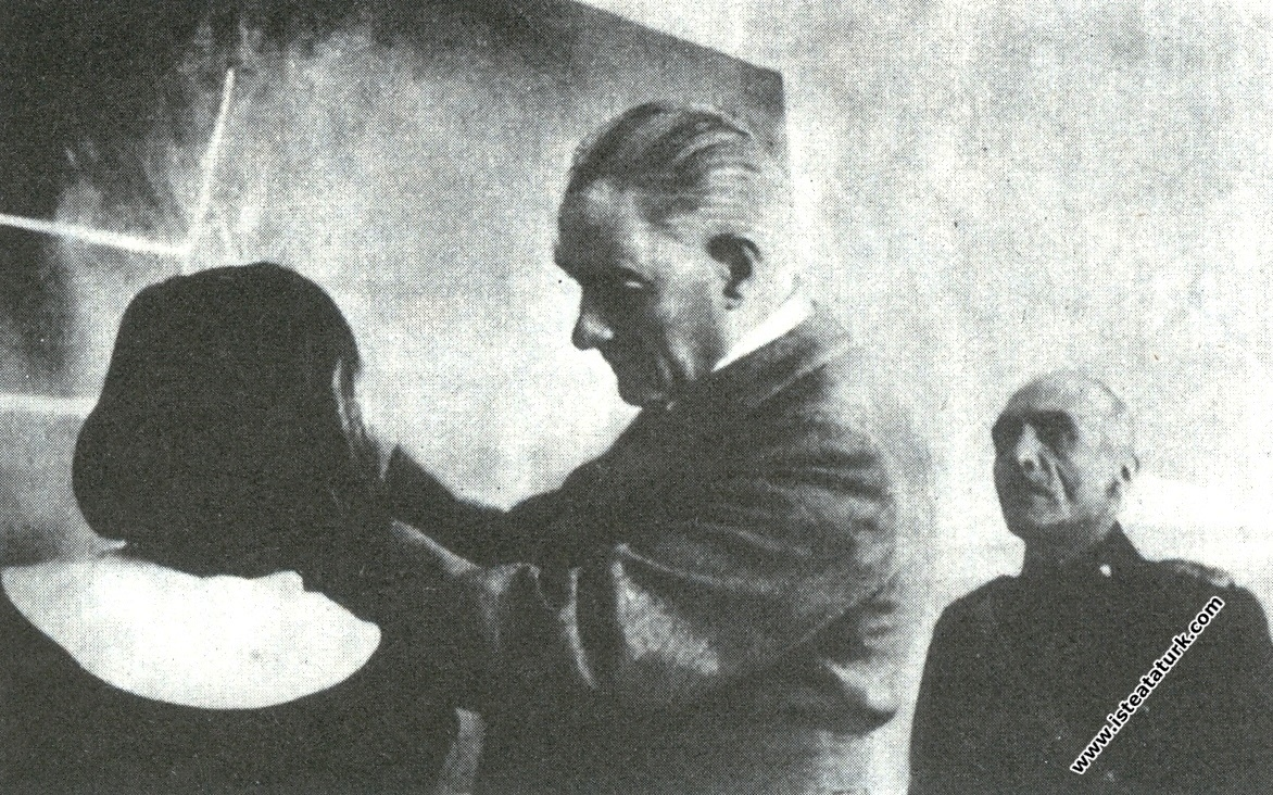 Atatürk Sivas Lisesi'nde geometri dersinde. (13.1...