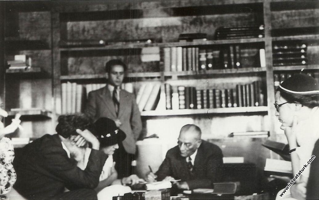 Kemalizm'in Düşünsel Temelleri Ve Tarihsel Oluşumu