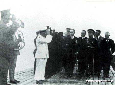 Mustafa Kemal Atatürk'ün Samsun Rıhtımı'nda...