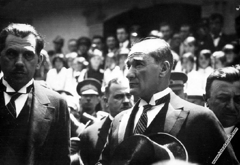 Mustafa Kemal Atatürk'ün İstanbul Haydarpaşa G...