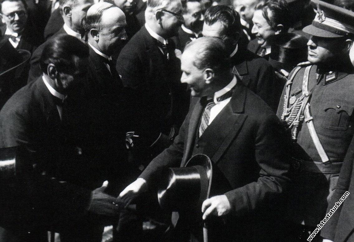 Mustafa Kemal Atatürk'ün İzmit İstasyonu'nun...