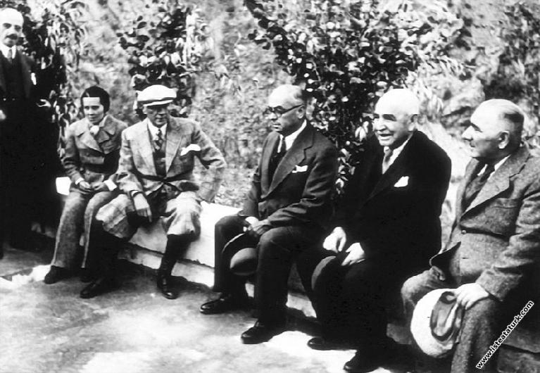 Atatürk Tunceli Pertek'te Singeç Köprüsü'nün...