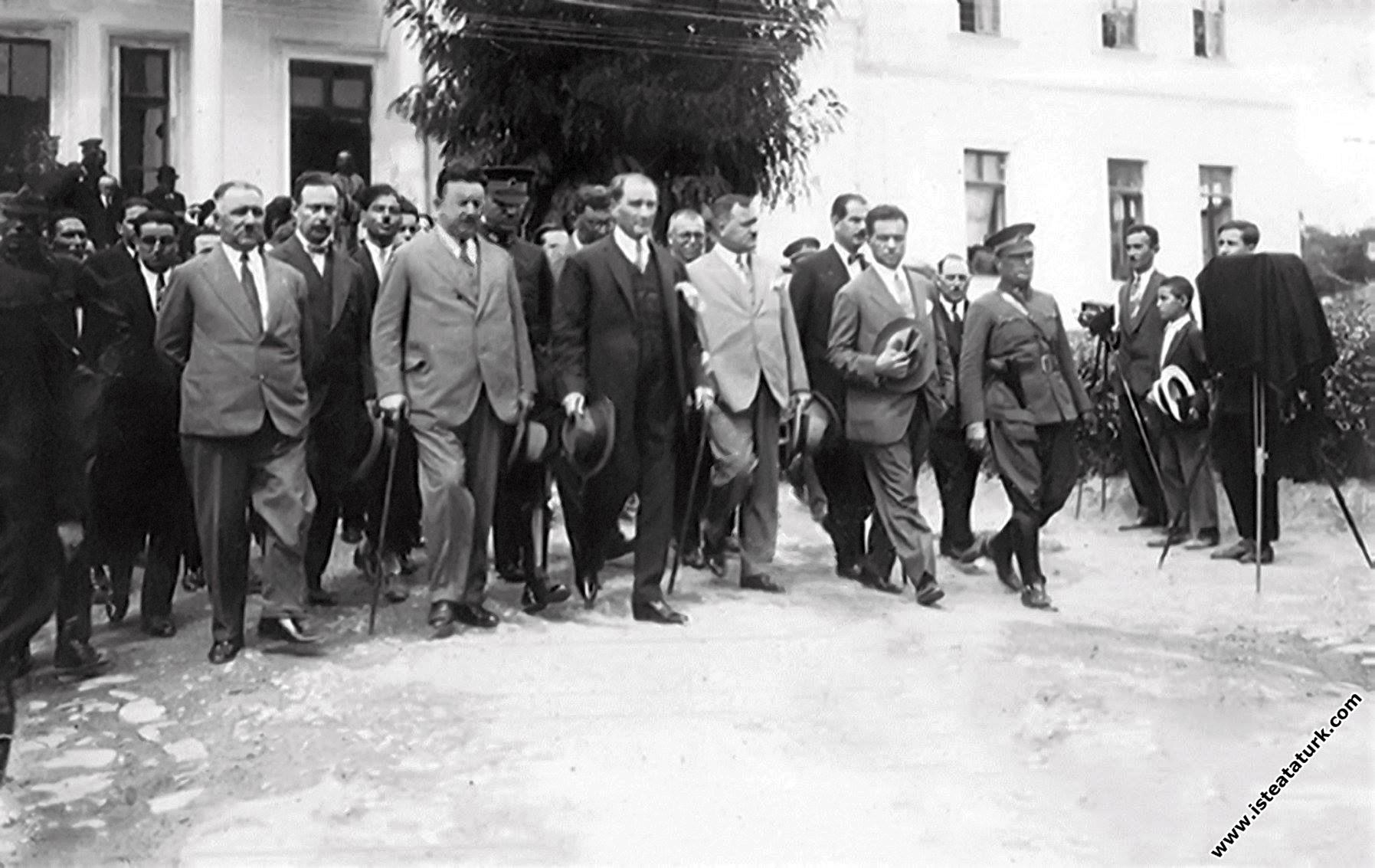 Mustafa Kemal Atatürk Tekirdağ'da. (23.08.1928)...