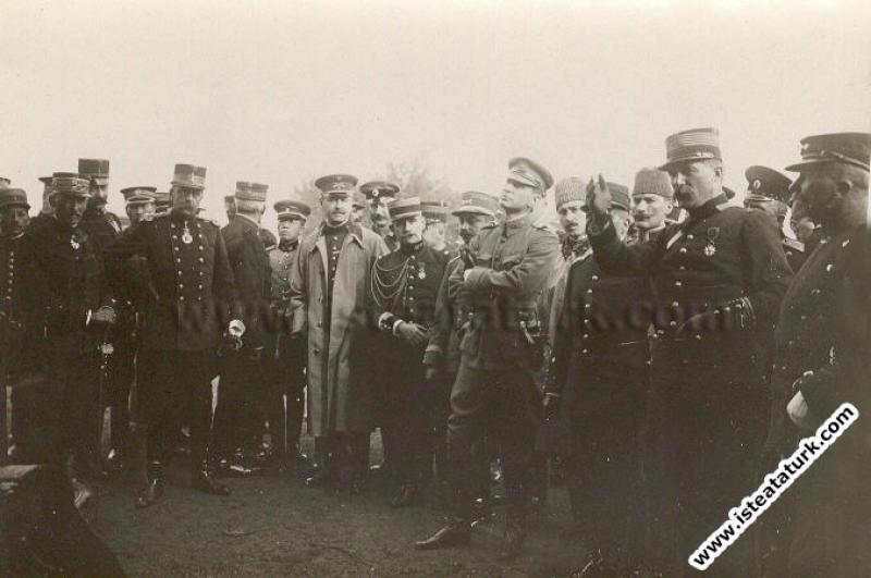 Fransa'da Picardie Manevralarında Osmanlı Ordusunu temsilen manevraları gözlemlemek amacıyla Fransa'da bulunuşu. (17-28.09.1910)