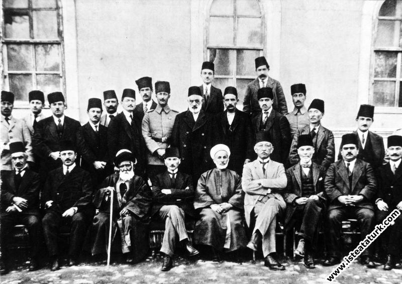 Sivas Kongresine katılanlar. (04-11.09.1919)...