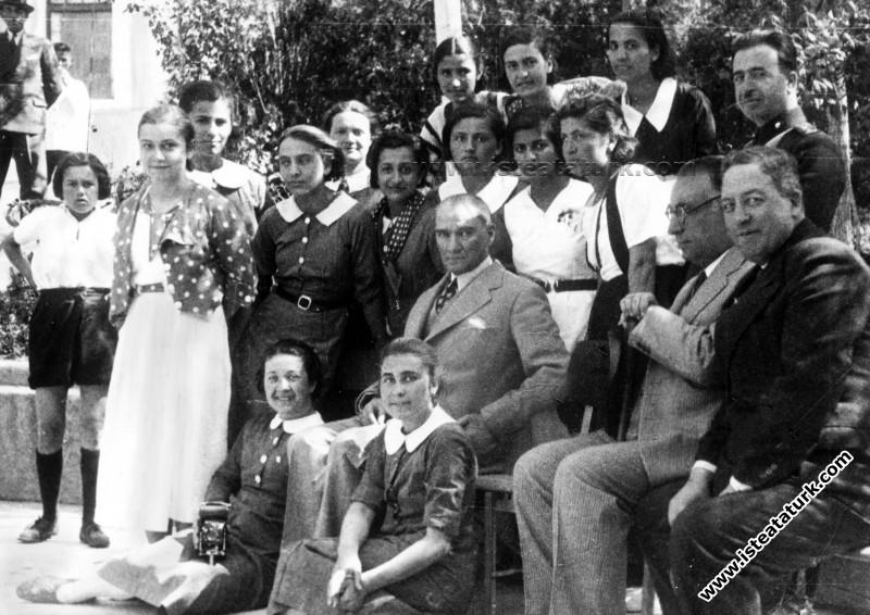Atatürk ve Kadın Eğitimi