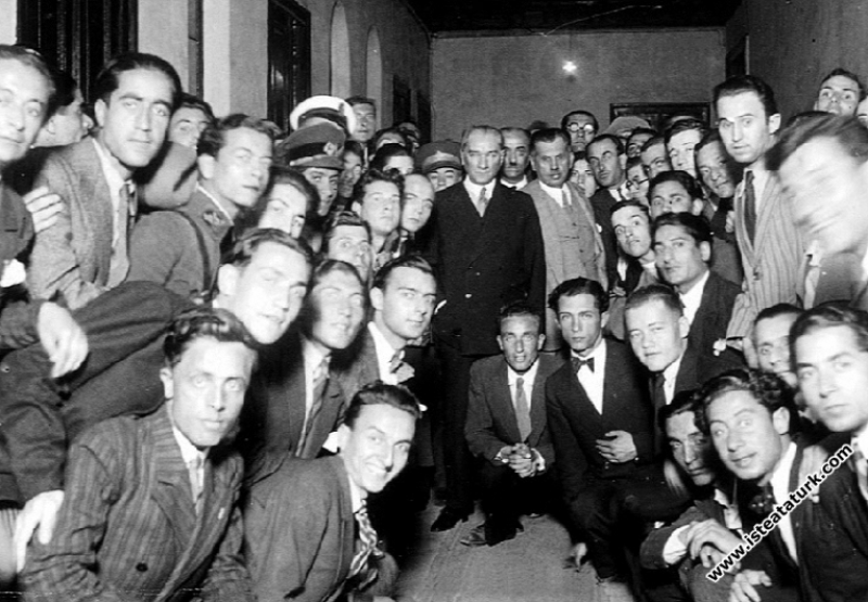 Atatürk'te Gençlik Kavramı ve Atatürkçü Gençliğin Nitelikleri