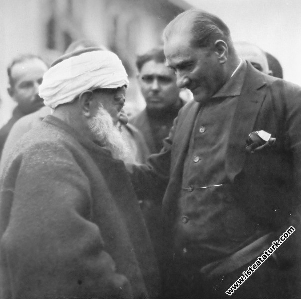 Atatürk'ün Liderliğinin Sosyopsikolojik Analizi