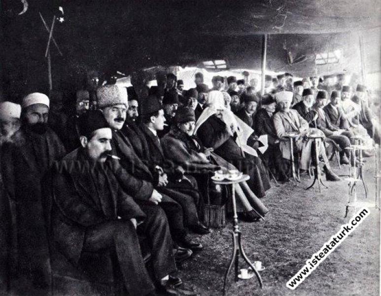 Ankara'da Nevruz Bayramı'nda. (03.1921)...
