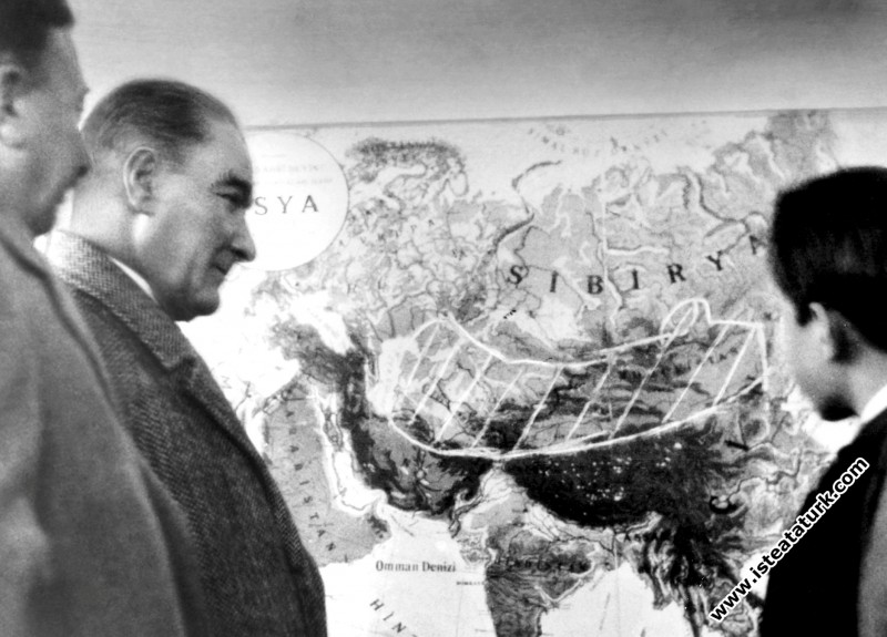 Atatürk'ün Okul Gezileri