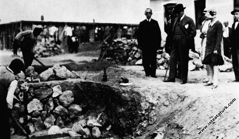Ankara, Etimesgut Köyü İnşaa edilirken. (04.07.192...