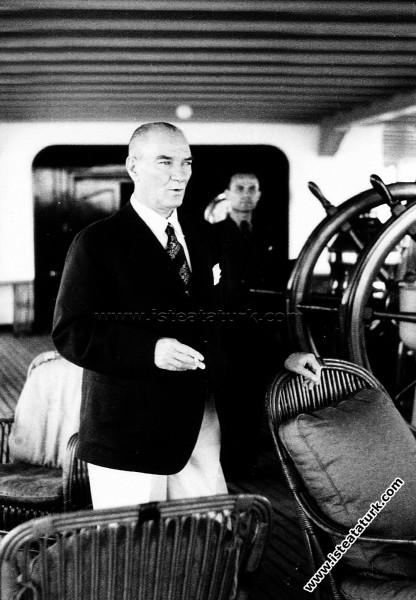 İstanbul'da Savarona Yatı'nda. (01.06.1938)