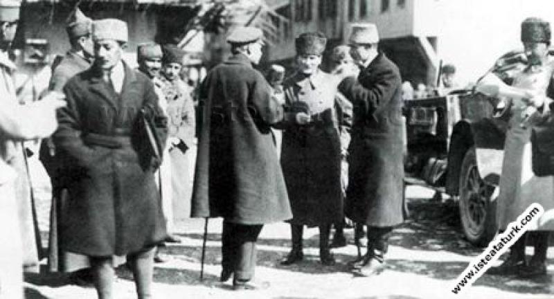 Başkomutan Mustafa Kemal Paşa, İsmet İnönü, Rusya ...
