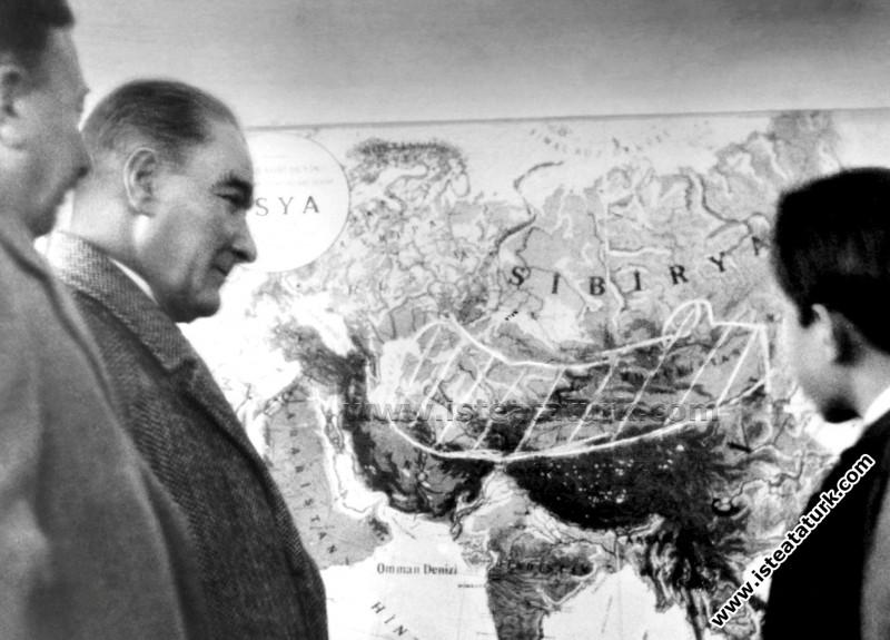 Mustafa Kemal Atatürk Samsun Gezisinde (26.10.1930)