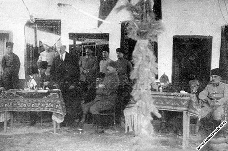 Başkomutan Mustafa Kemal, Adapazarı'nda. (19.06.19...