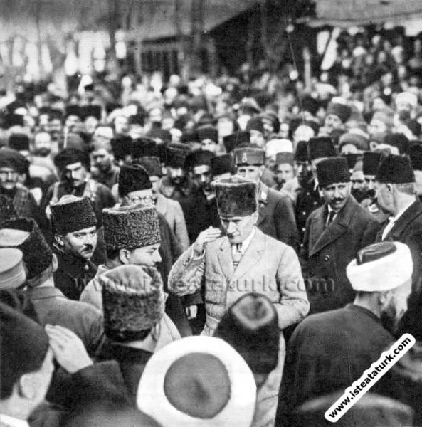Mustafa Kemal Eskişehir'de. (15.01.1923)...