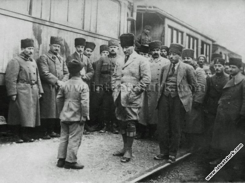 Mustafa Kemal Vezirhan'da, bir çocuk kendisine çok...
