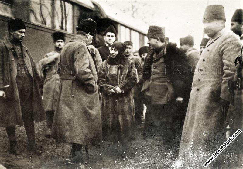 Başkomutan Mustafa Kemal, Gebze'de. (17.01.1923)...