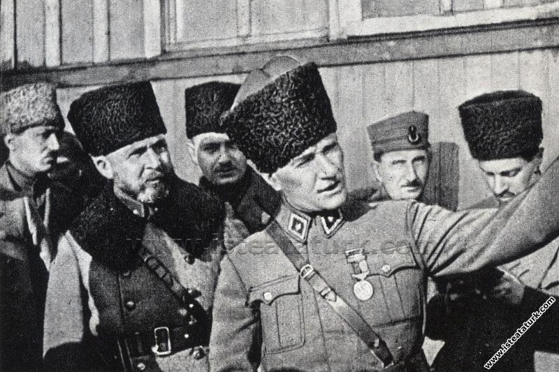 Başkomutan Mustafa Kemal, Çerkeşli'de Ordu Birlikl...