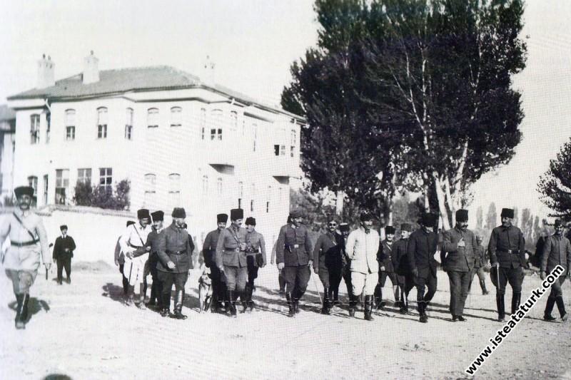 Mustafa Kemal'in ''Hâkimiyet-i Milliye'' Muhabirine Verdiği Mülâkat, 22.04.1921