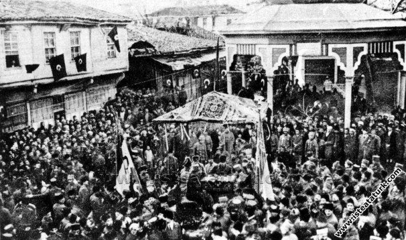 Başkomutan Mustafa Kemal Paşa'nın Balıkesir'e ilk ...
