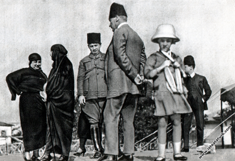 Gazi Mustafa Kemal Paşa Çankaya'da, Ankara. (02.03.1923)