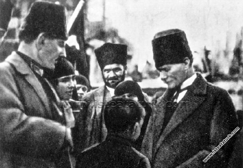 Gazi Mustafa Kemal Paşa'nın, Adana Kız Öğretmen Ok...