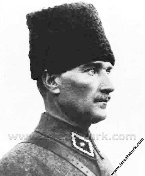 Gazi Mustafa Kemal Paşa'nın, Adana'da çekilmiş bir...