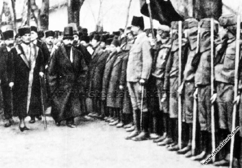 Gazi Mustafa Kemal Paşa, Konya'da karşılama töreni...