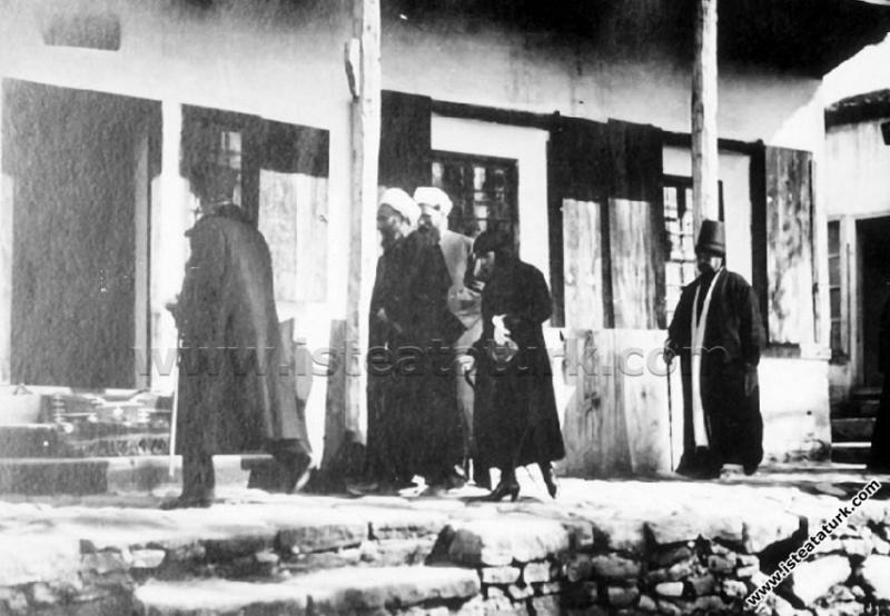 Konya'da Mevlana Türbesi'ni ve Derğahı'nı ziyareti...