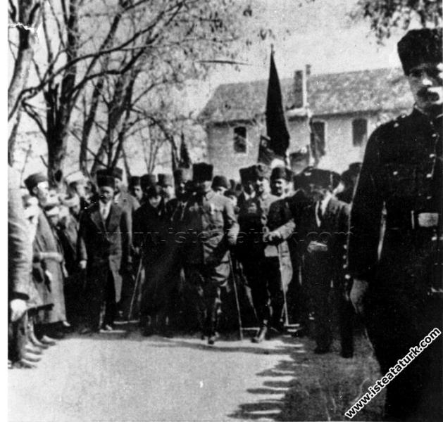 Gazi Mustafa Kemal Paşa'nın Kütahya'ya, Latife Han...