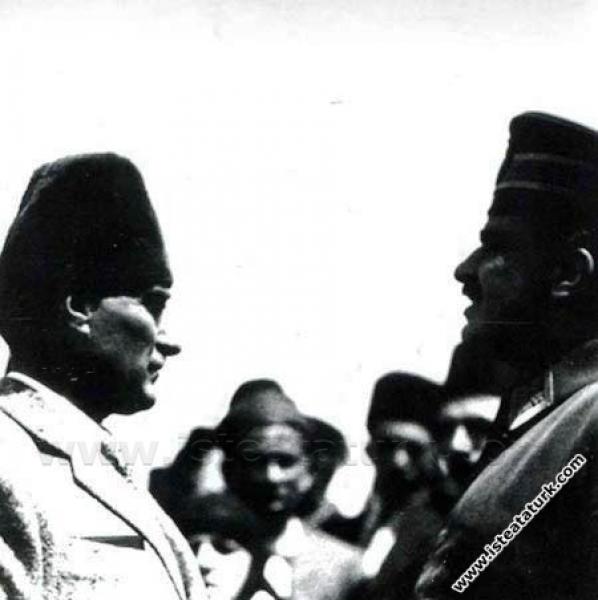Cumhurbaşkanı Gazi Mustafa Kemal'in Dumlupınar'da ...