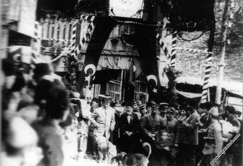 Mustafa Kemal Paşa'nın, Şebinkarahisar'da ziyaretlerde bulunması. (12.10.1924)