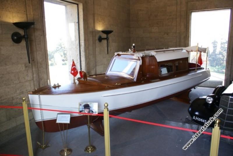 Atatürk'ün Gezinti Teknesi