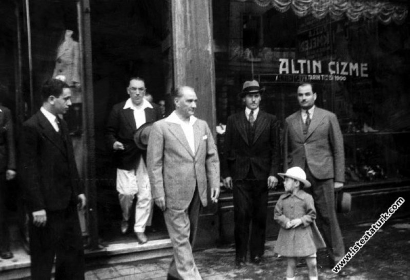 Mustafa Kemal Atatürk ayakkabılarını yaptırdığı Al...