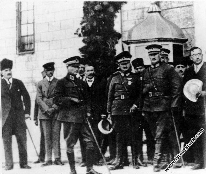 Mustafa Kemal Paşa Kastamonu'da mareşal üniforması...